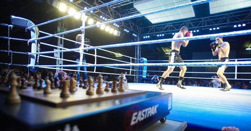 Chess Boxing combines the sport of boxing and the game of chess in a hybrid sport | ©WCBO /WikiCommons
