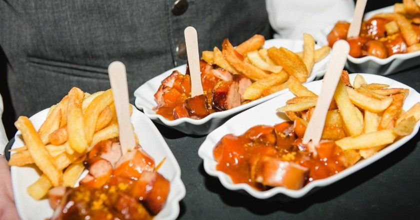 Currywurst and Fries | © Golf Resort Achental Team / Flickr