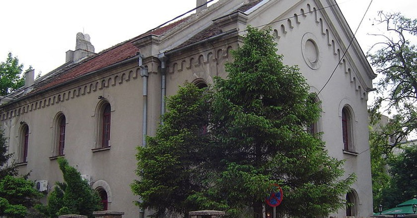 The synagogue in Zemun, one a house of worship, now a house of food