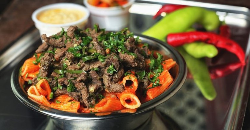 Liver and pasta with red sauce
