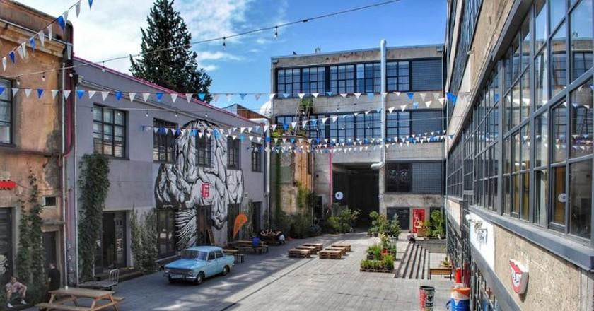 Courtyard of Fabrika Hostel | © Baia Dzagnidze