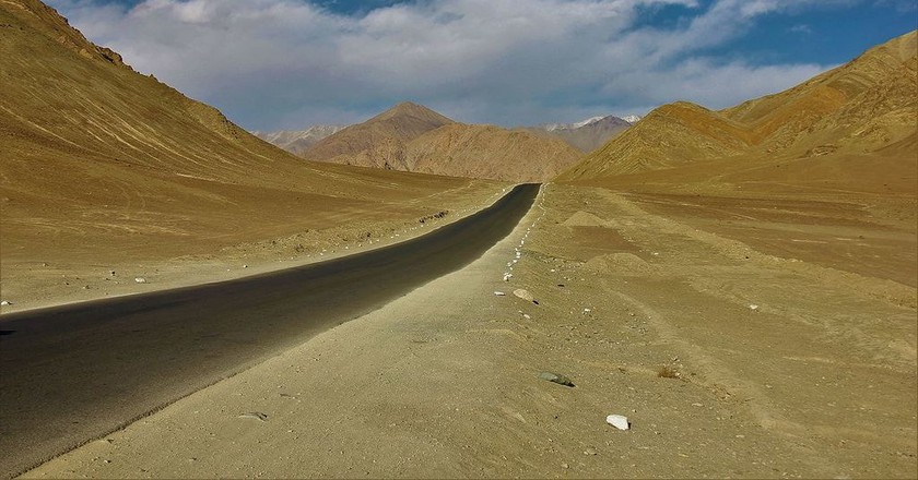 The magnificent highway from Delhi to Leh via Srinagar