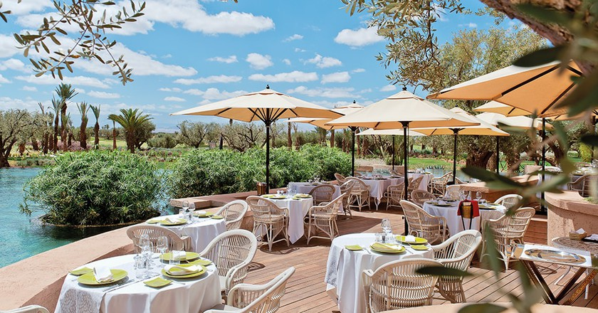 Restaurant L'Olivier by the pool
