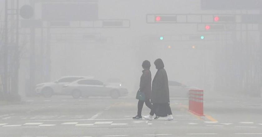Smog on the streets of South Korea | © YONHAP/EPA-EFE/REX/Shutterstock
