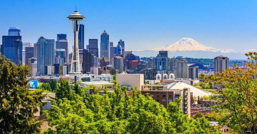 Seattle downtown skyline and Mount Rainier