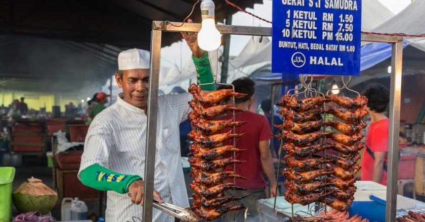 Food vendor selling chicken wings, Malaysia