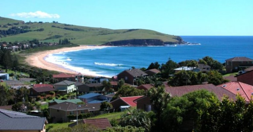 The town of Gerringong curves around iconic Werri Beach