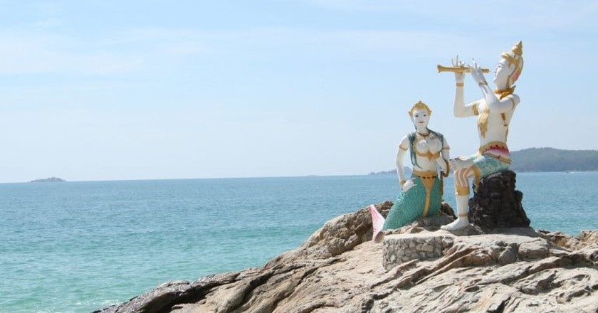 Statues in Koh Samet from a famous poem by Sunthorn Phu