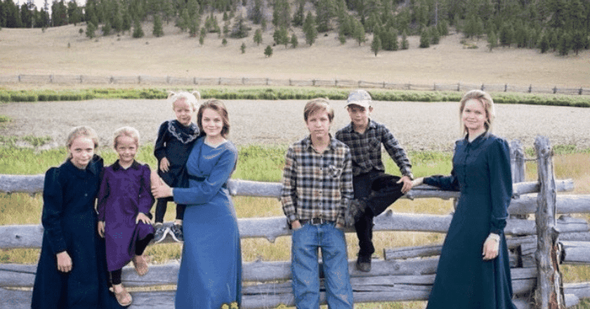 Carole Jeffs and family in Utah