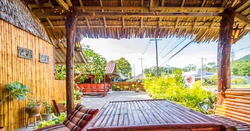 Most of Koh Lanta's hostels have great common areas where you can chill out and make new friends