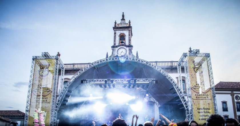 The street parties in Ouro Preto include live shows