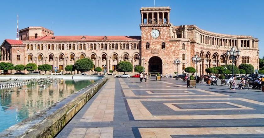 Government House on Republic Square in Yerevan | © Dan Lundberg / Flickr