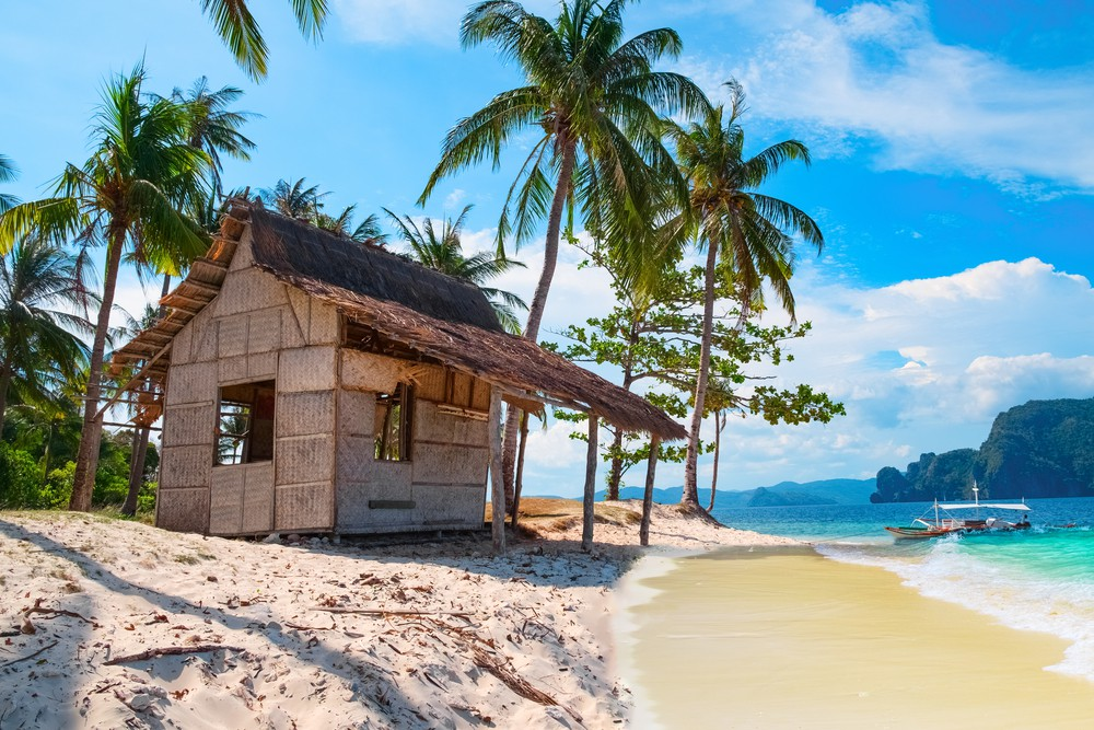 Beachside hut in Palawan | © PhotoRoman/Shutterstock