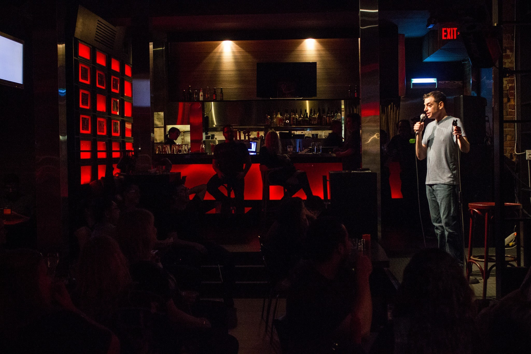Custom Exhibition Stand Up Comedy : The top comedy clubs in toronto