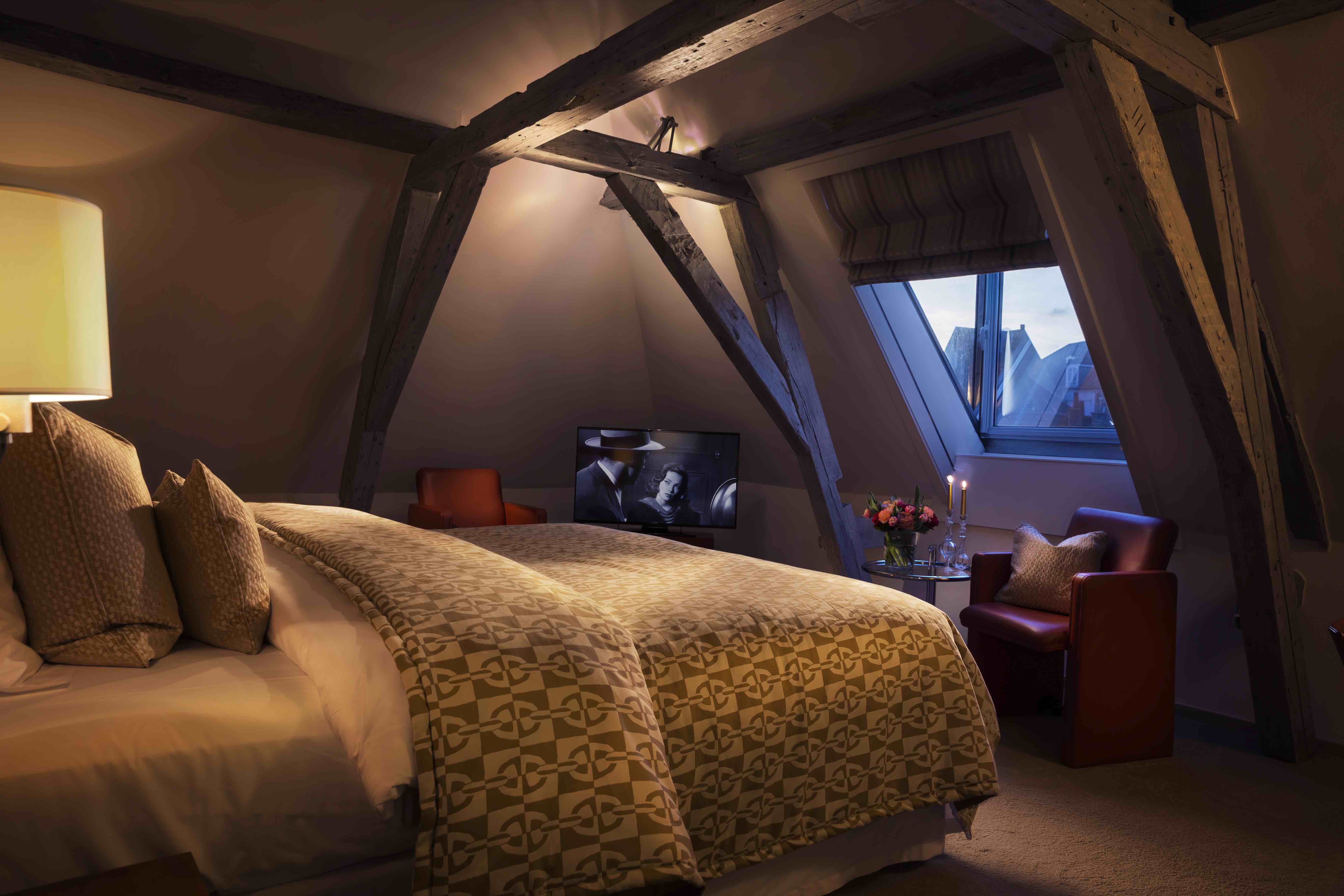 A luxury suite with view of the famous Dijver canal in Hotel Van Cleef