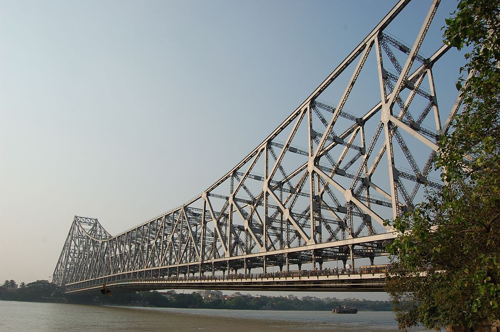 A Brief History of Howrah Bridge, One of the World's Busiest Bridges
