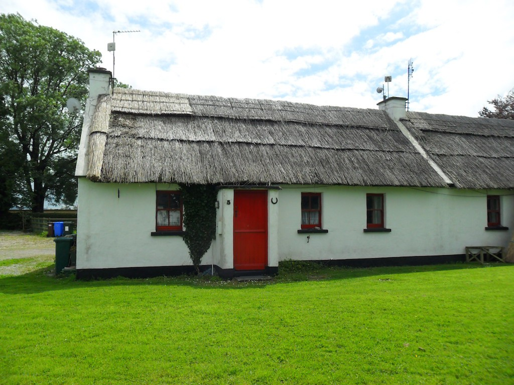 Fabulous 10 Adorable Irish Cottages You Can Buy For A Bargain Interior Design Ideas Philsoteloinfo