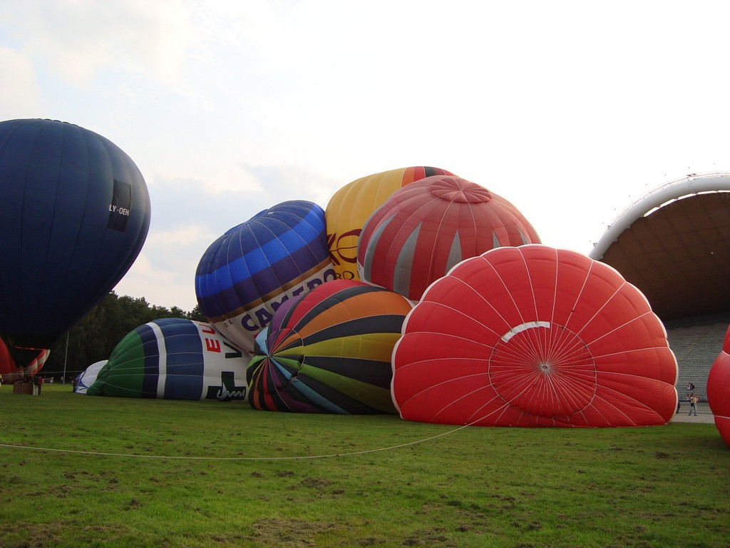 Balloon set up ©Anonymous/Flickr