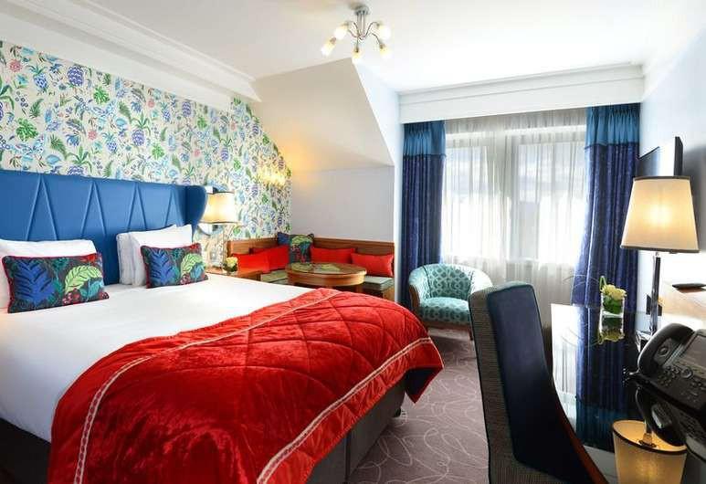 Courtesy of Clontarf Castle Hotel / Hotels.com
