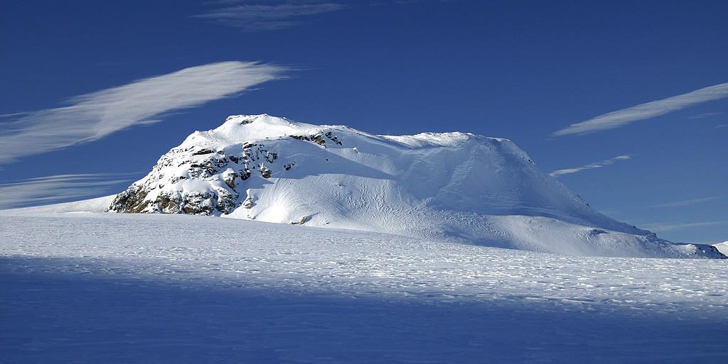 "via Wikicommons"" width=""1024″ height=""513″> Finse – Hardangerjøkulen"