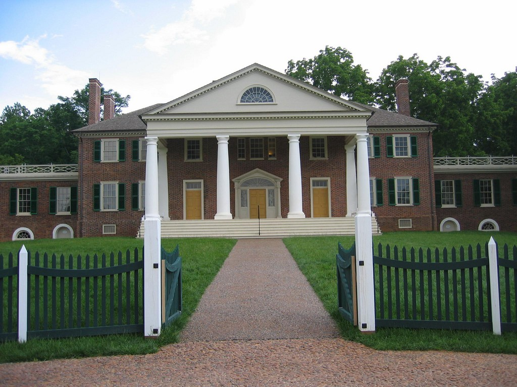 10 Notable Southern Plantation Tours in