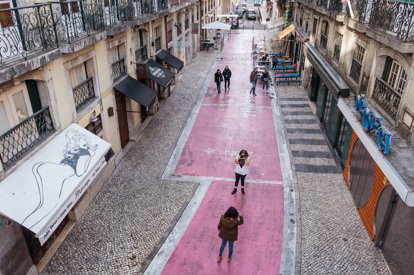 Model Hooker in Lisbon