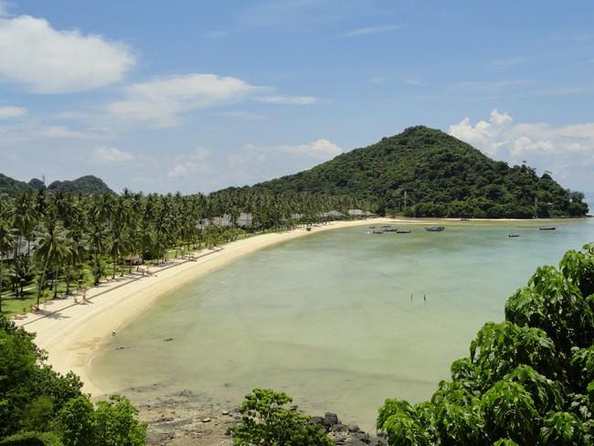 Lo Bakao bay, where Phi Phi Island Village Beach Resort is
