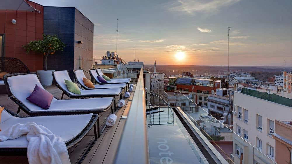 Hotel Indigo's infinity pool