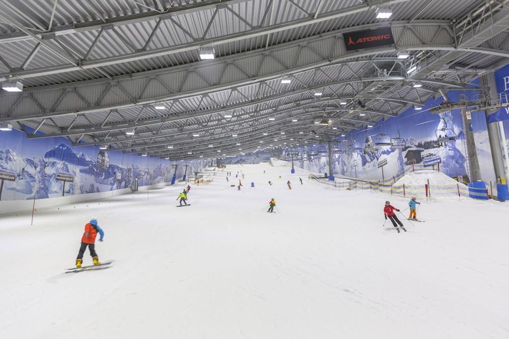 Skifahren in der JEVER FUN SKIHALLE Neuss