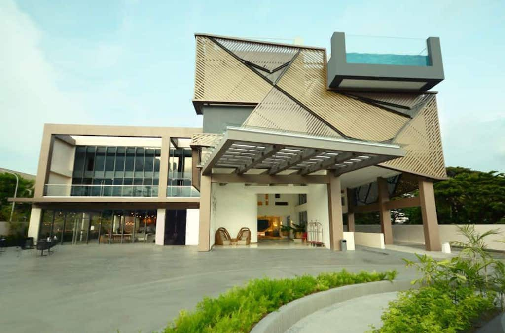 Hue Hotel and Resort