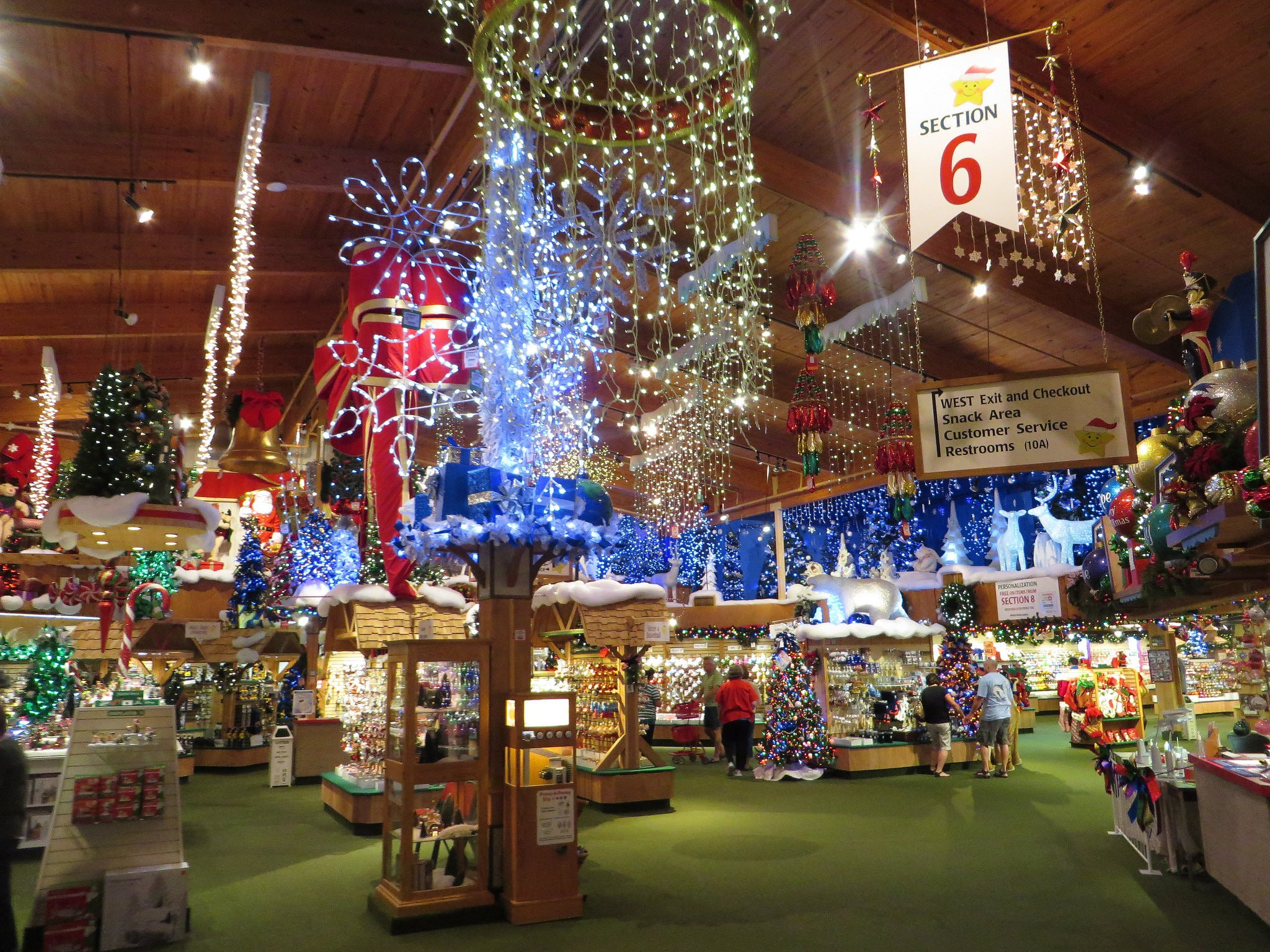the worlds largest christmas store is in frankenmuth michigan - Worlds Largest Christmas Store