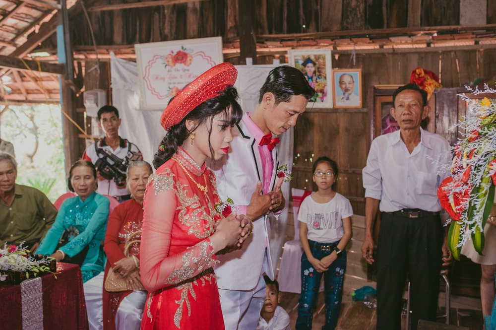 554b10bb3a6 A Guide To Surviving Vietnamese Weddings