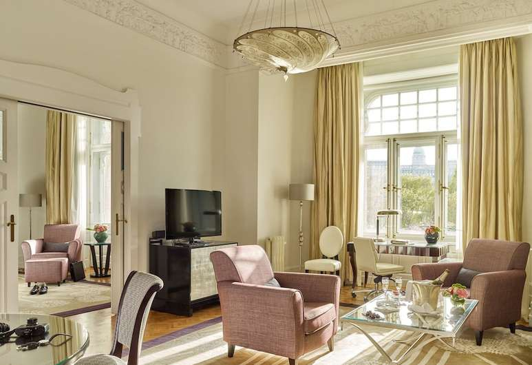 Many rooms at the Gresham Palace have views of the Chain Bridge and Buda Castle