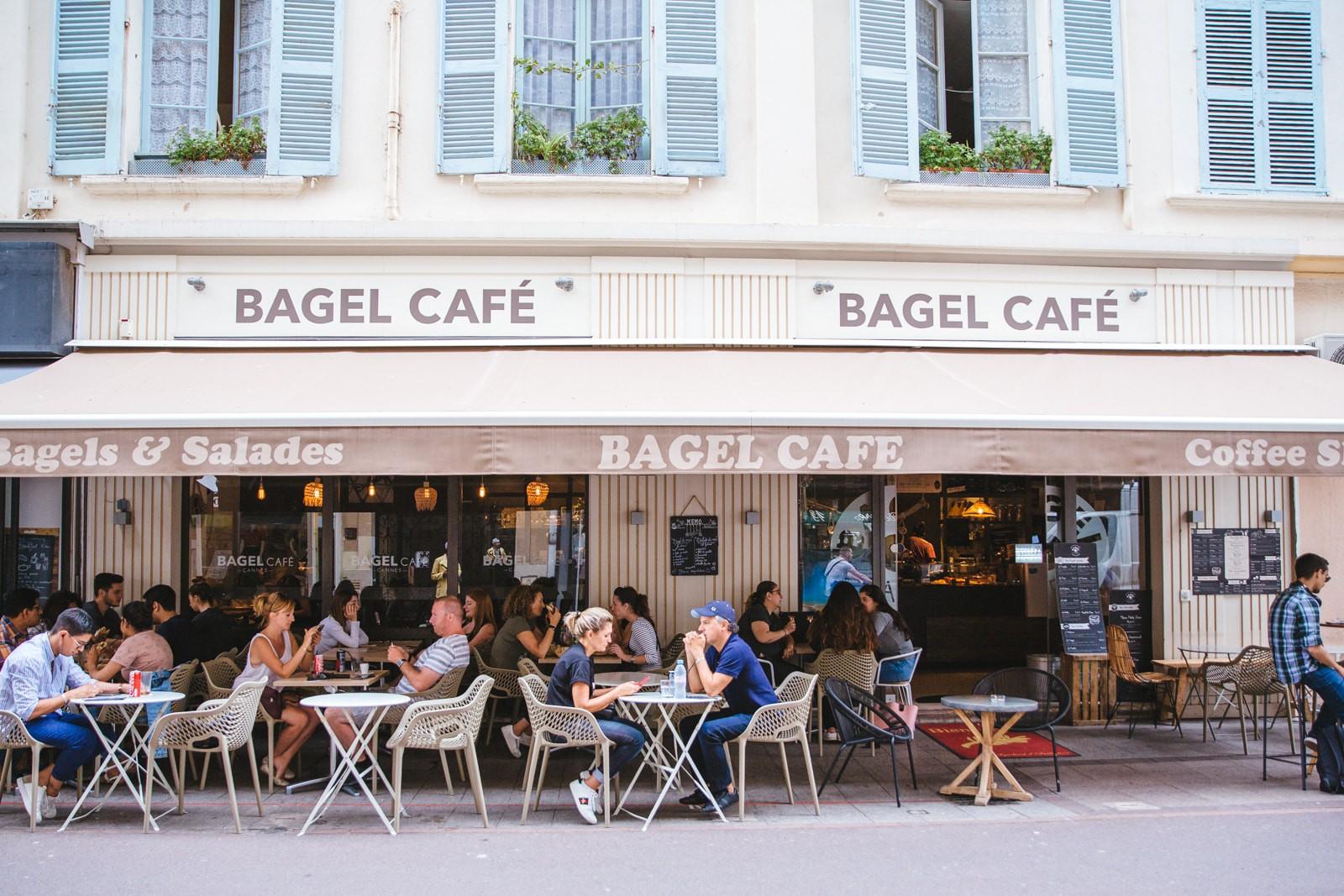 cafea și bagels dating)