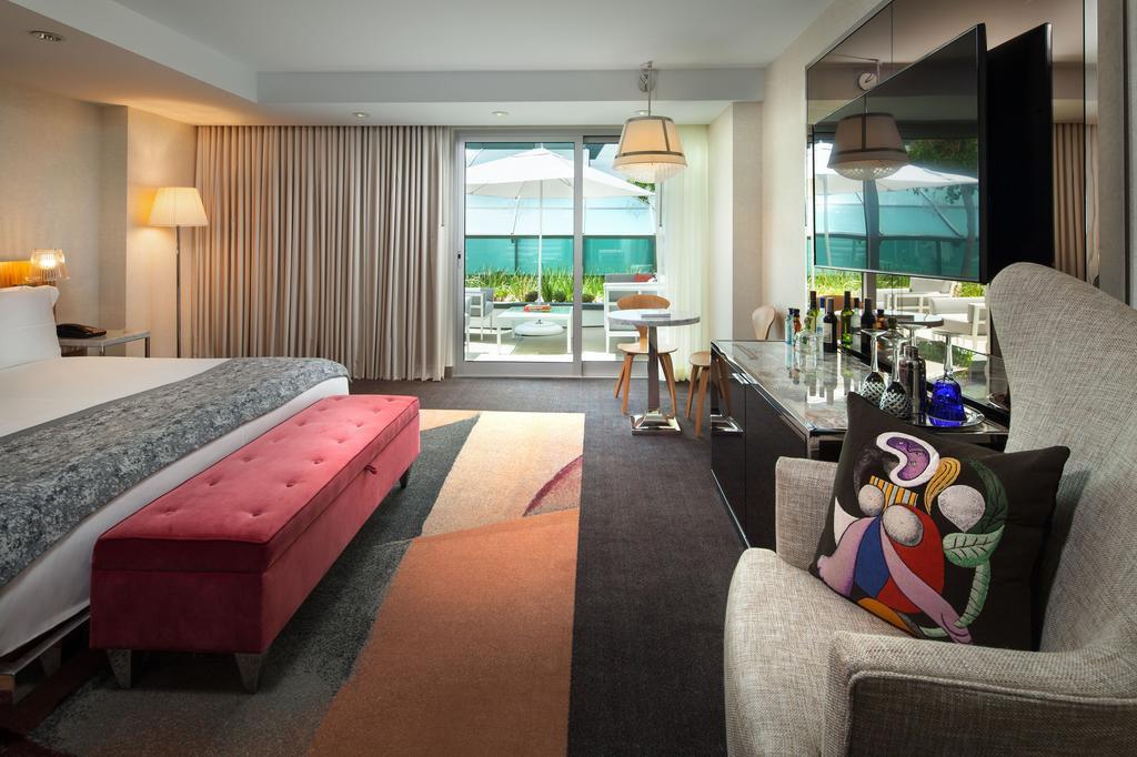 Courtesy of SLS Hotel / Hotels.com