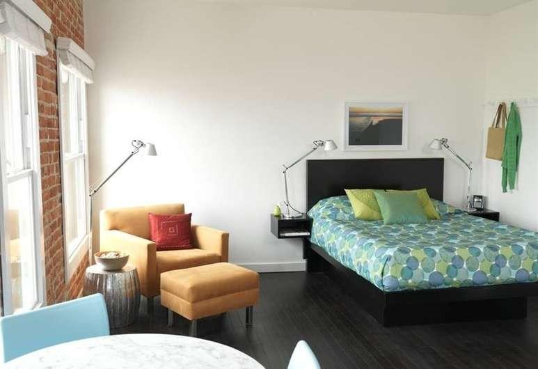 Courtesy of Venice Breeze Suites / Hotels.com