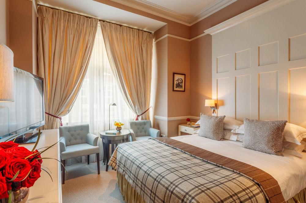 Courtesy of 11 Cadogan Gardens / Hotels.com