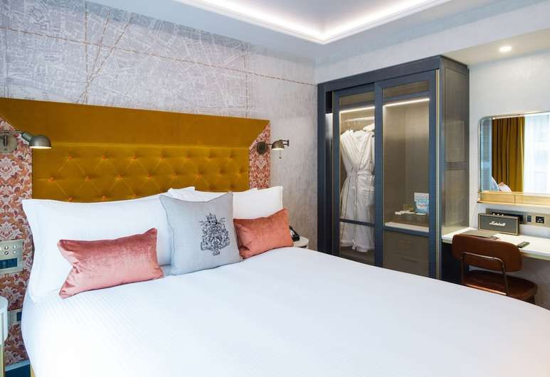 Bedrooms at Vintry & Mercer celebrate the tradition of local trade guilds in their furnishings
