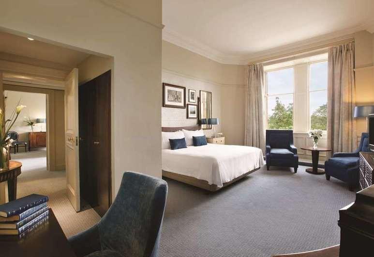 Courtesy of Waldorf Astoria Edinburgh – the Caledonian / Hotels.com