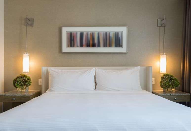 Courtesy of Hotel Felix / Expedia.com