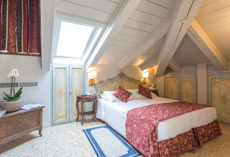 Courtesy of Hotel Tiziano / Hotels.com