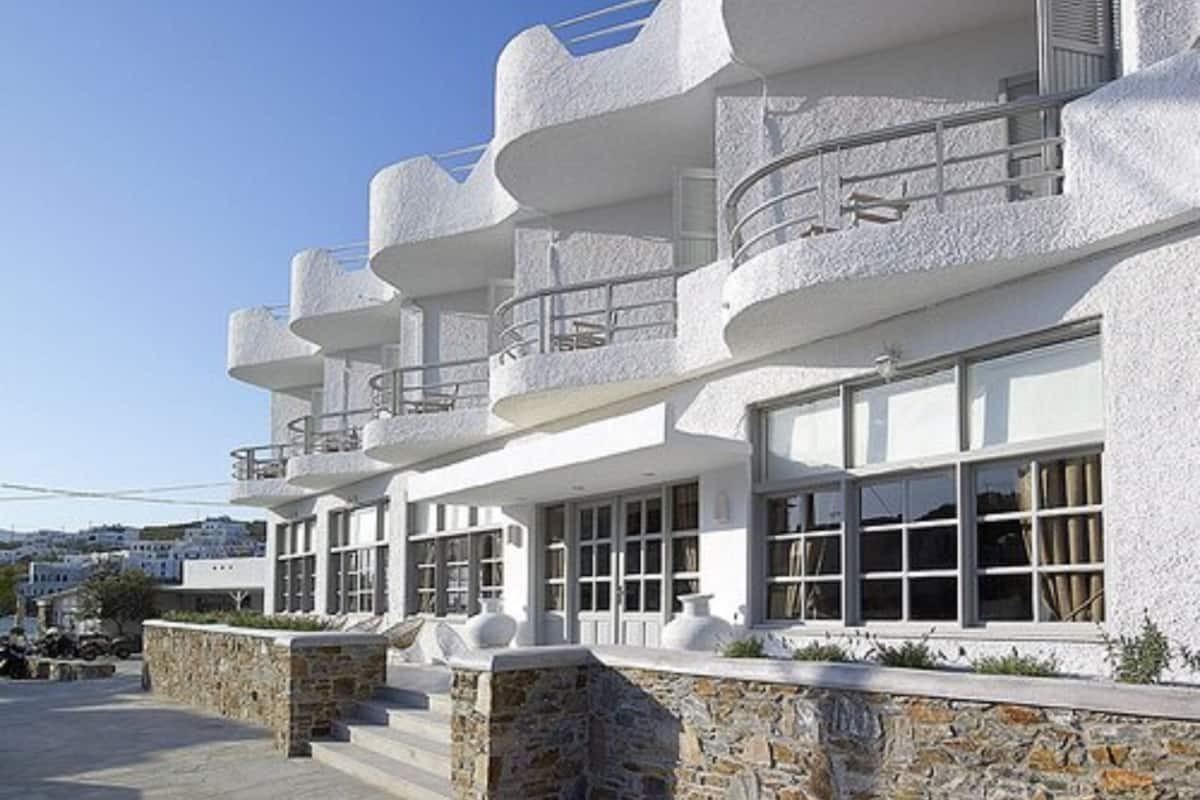 Courtesy of Kythnos Bay Hotel / Expedia
