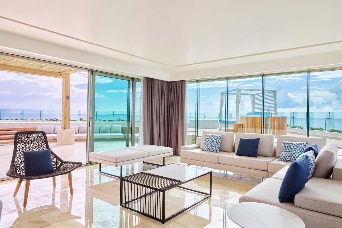 Courtesy of Live Aqua Beach Resort Cancún / Expedia