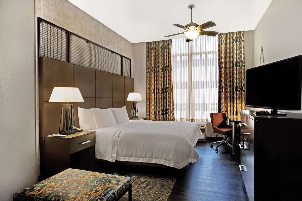 Courtesy of Hampton Inn & Suites Austin @ The University / Capitol / Expedia
