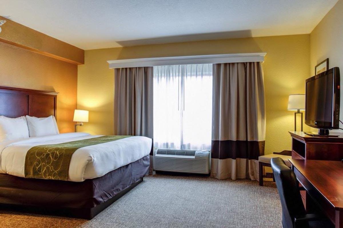 Courtesy of Comfort Suites Ocala North / Expedia