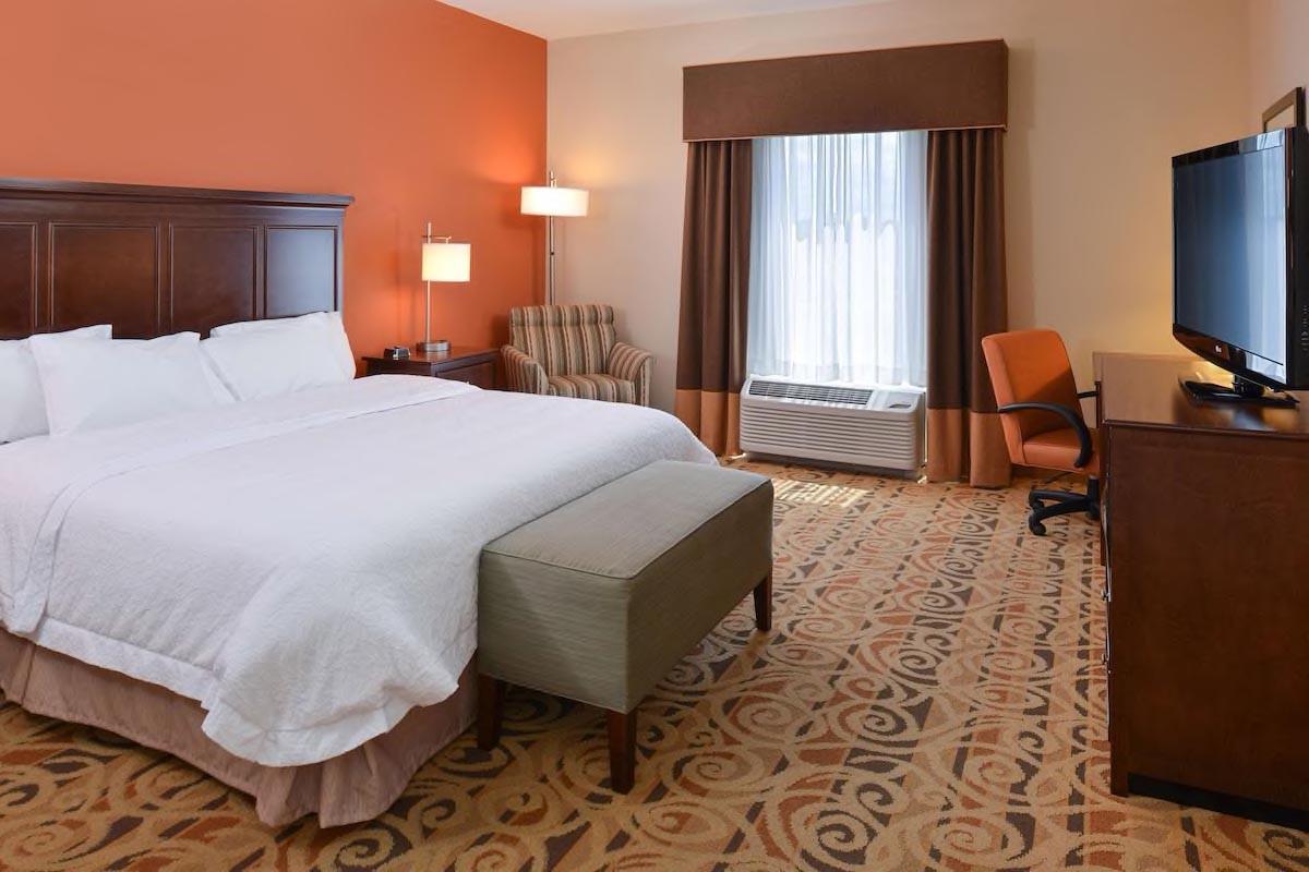 Courtesy of Hampton Inn and Suites Ocala / Expedia