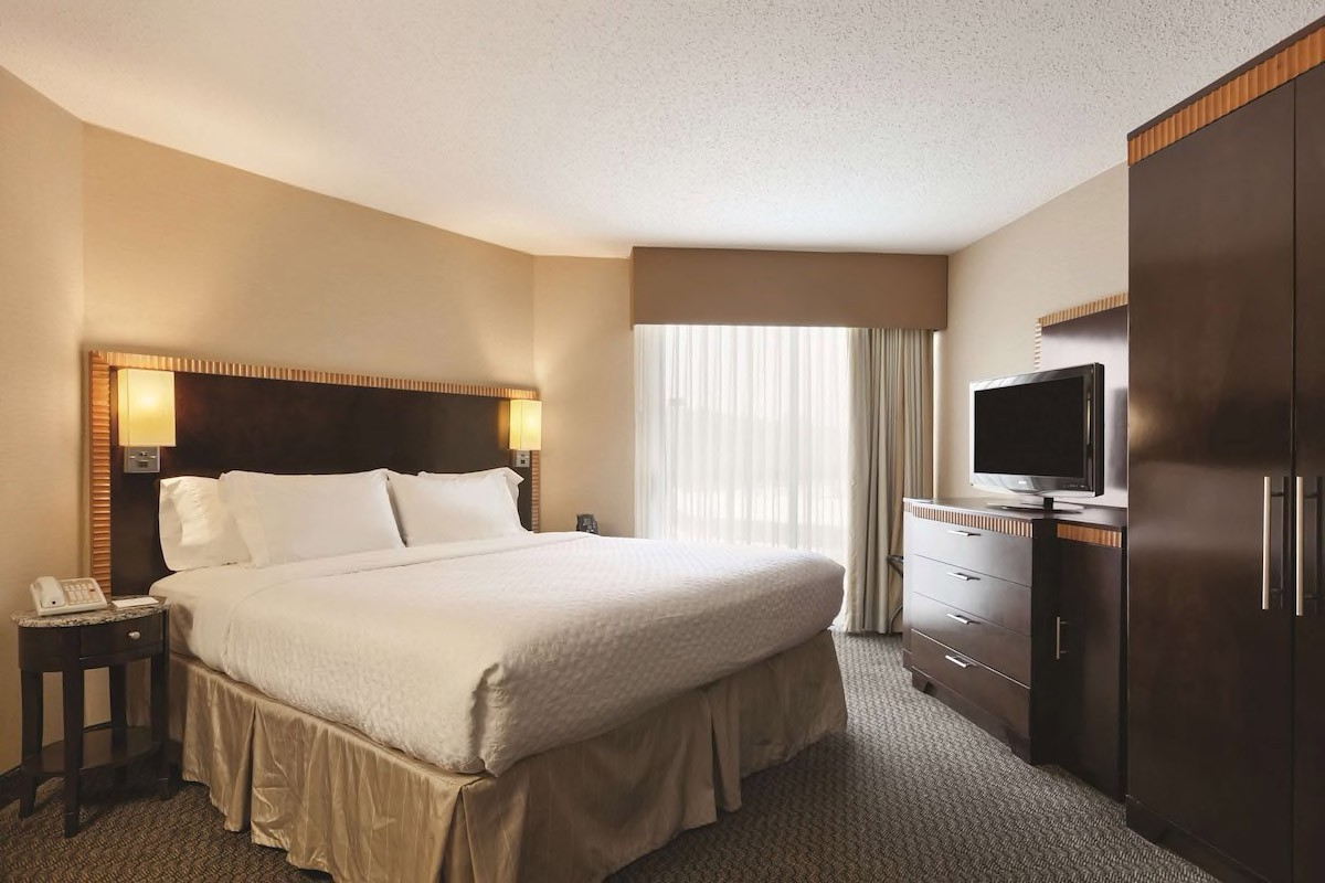 Courtesy of Embassy Suites Hotel Birmingham / Expedia