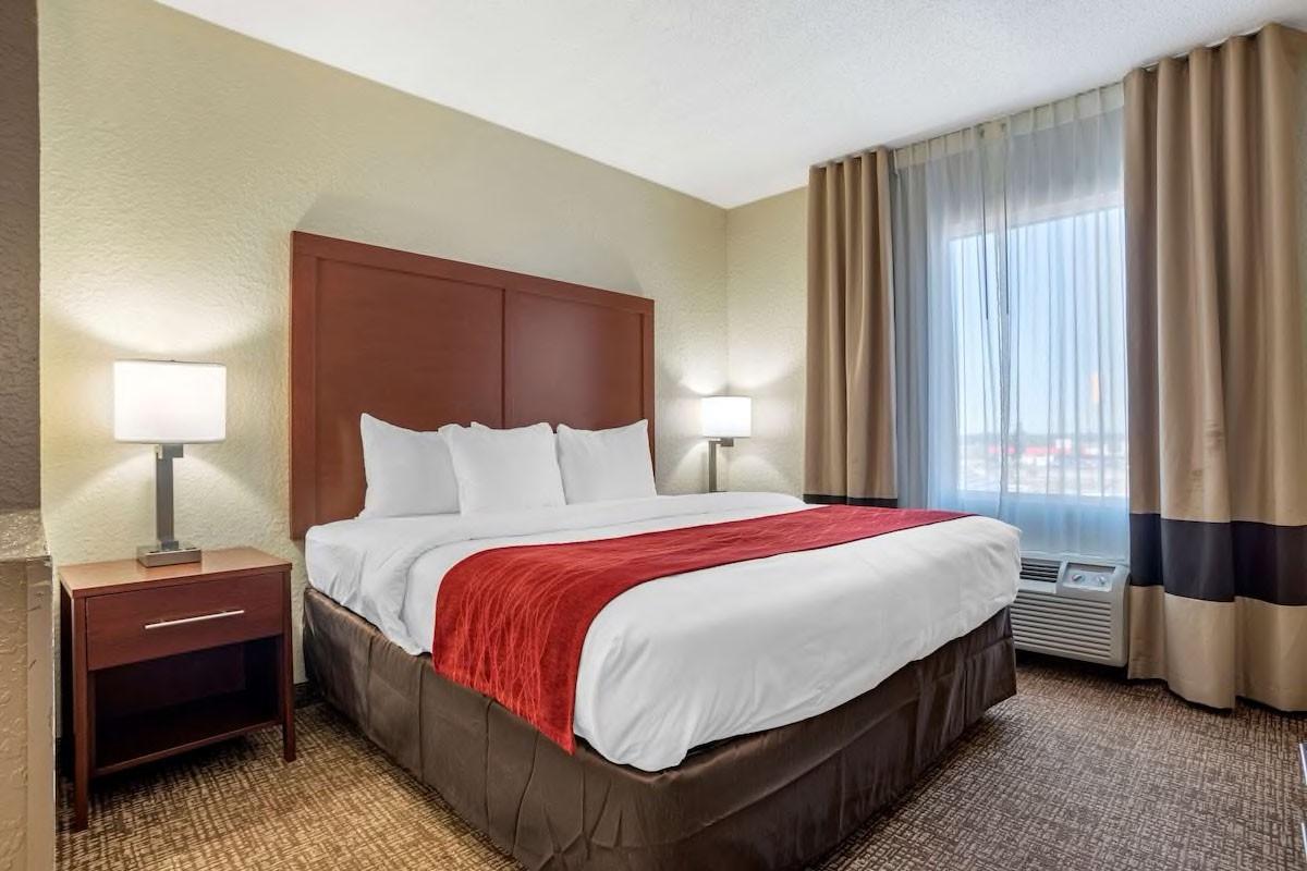 Courtesy of Comfort Inn & Suites Marianna I-10 / Expedia