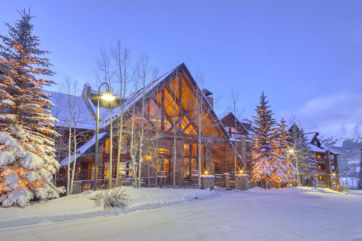 Courtesy of Bear Creek Lodge / Expedia