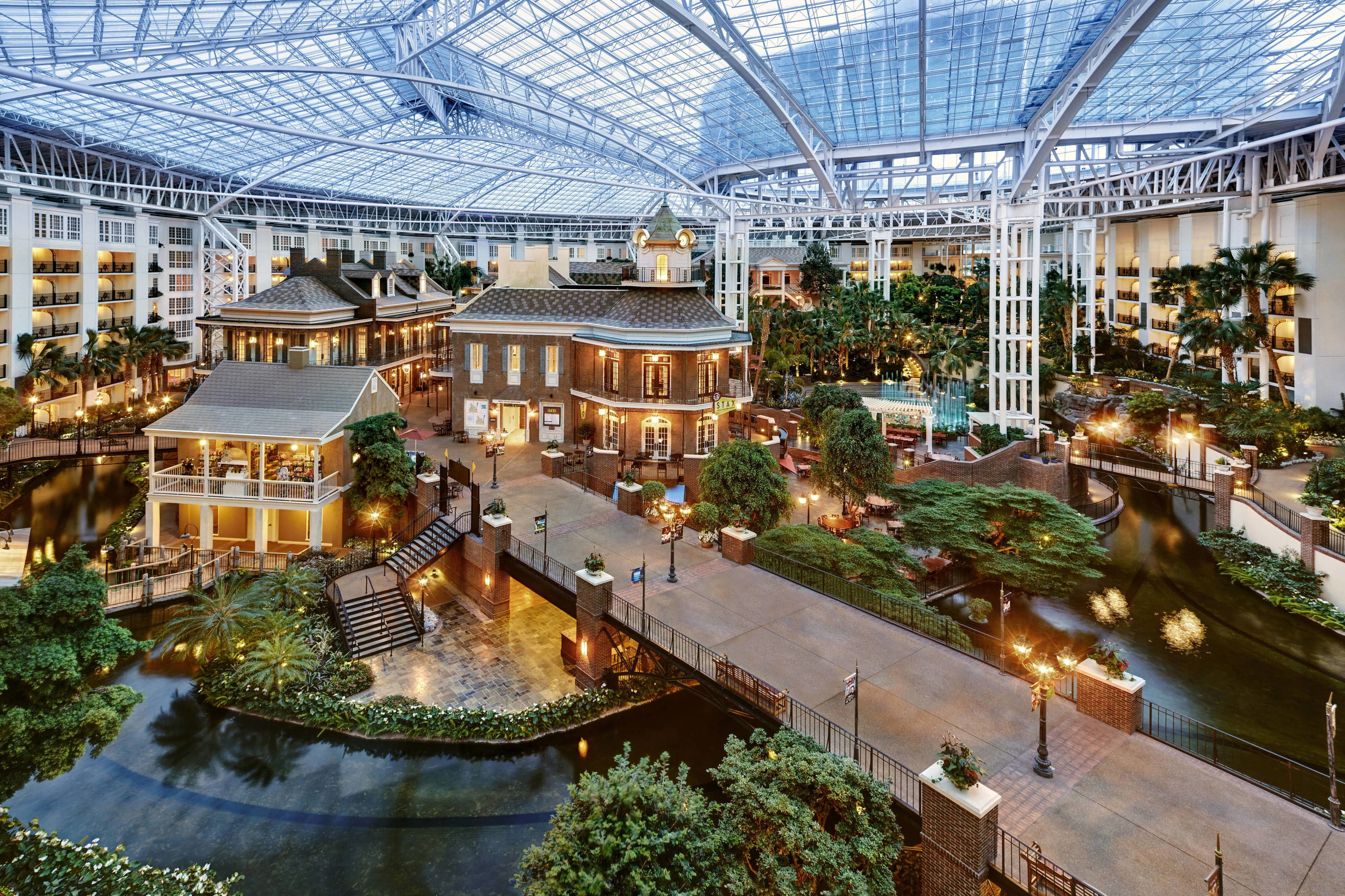 Courtesy of Gaylord Opryland Resort and Convention Center / Expedia